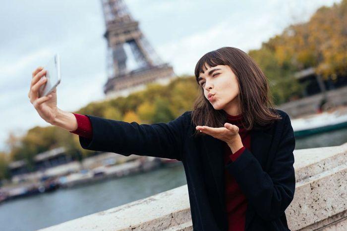 Çok Sayıda Selfie Çekmek, Depresyon Belirtisi Olabilir!